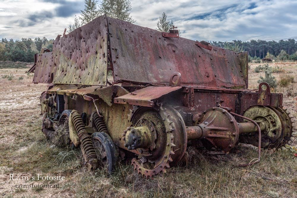Legervoertuigen of Lost Army Vehicles.